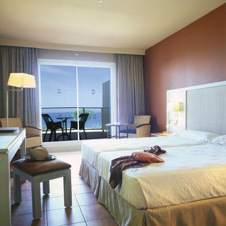 Hotel fuerte rompido todas las opciones para el turismo for Hotel el familiar