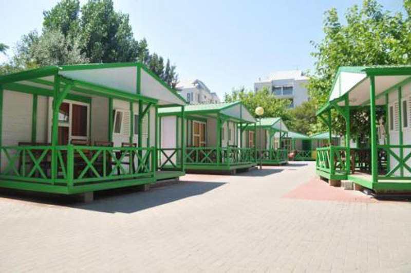 Casas-de-madera-y-camping-los-llanos_1289475181_g