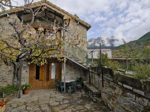Casas Rurales Urmo Ordesa (Laspuña, Huesca)