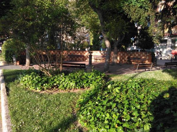"""Jardines como el """"Medio Pañuelo"""" adornan la ciudad."""