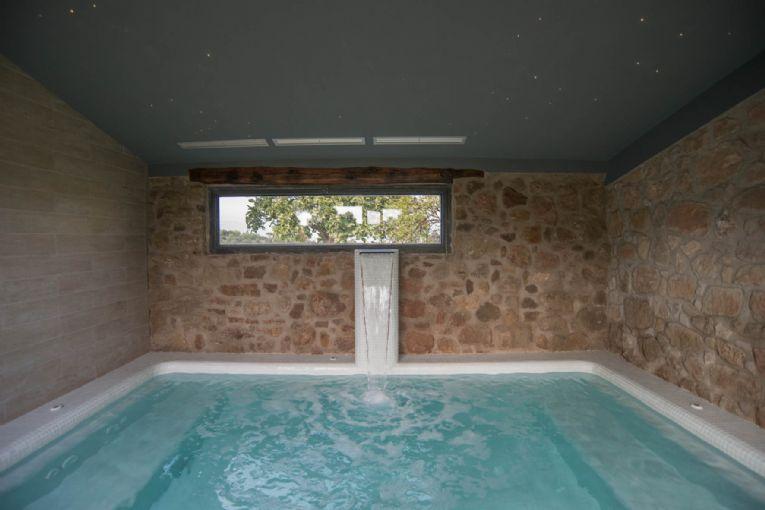 Casas con piscina climatizada para ir con ni os - Casa rural piscina interior ...