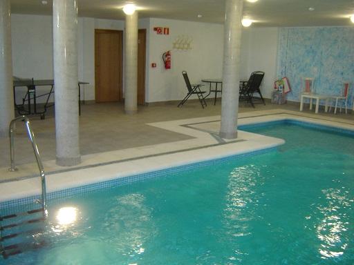 Casas con piscina climatizada para ir con ni os http for Visitar la alberca y alrededores