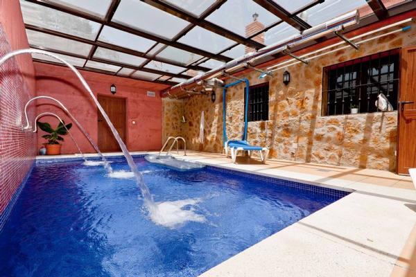Casas con piscina climatizada para ir con ni os viajar - Casas con piscina interior ...