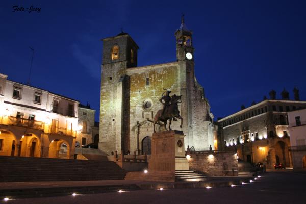 foto-jesy-plaza-mayor-de-noche