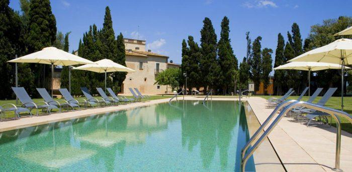Disfruta del verano con los ni os en un hotel viajar con for Hoteles con piscina climatizada en asturias